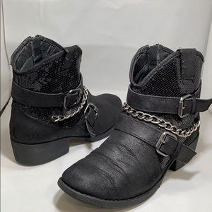 Justice Shoes - Justice Girls black Booties Size 4